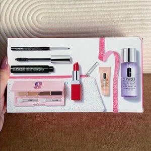 Clinique makeup kit